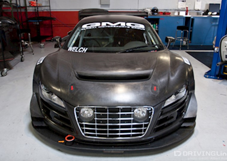 Racecar vs. Streetcar | The Audi R8 LMS and the Audi R8