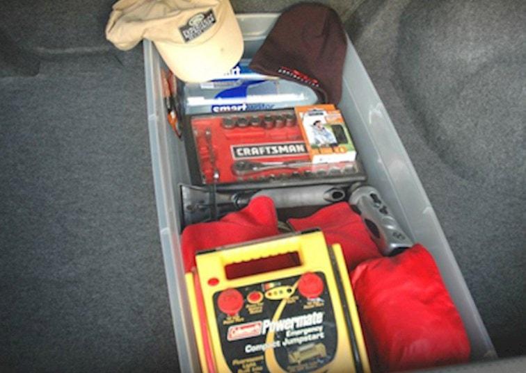 10 Emergency Road Kit Essentials