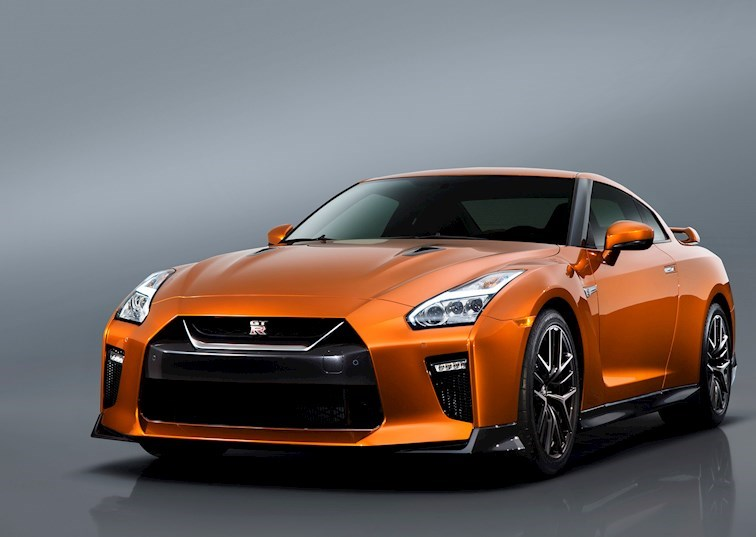 Nissan's 2017 GT-R is Here, Comes with 565 Horsepower