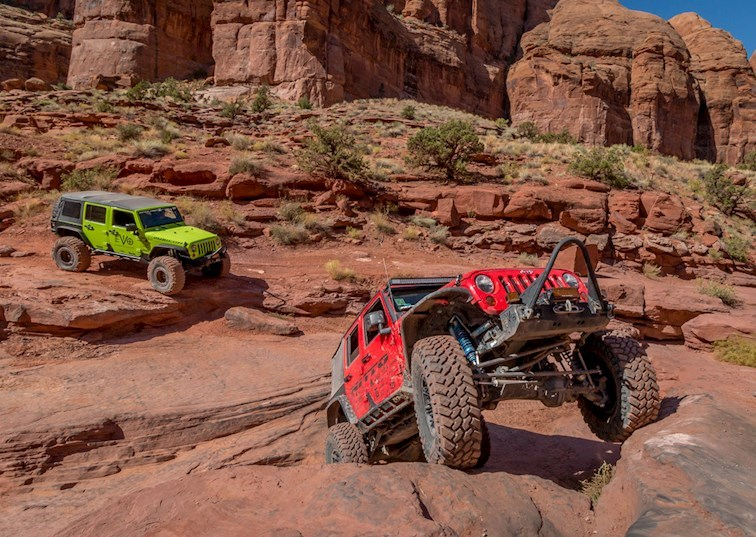 Gear Grinding: Is An Automatic Or Manual Transmission Better For The Trail?