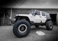 two wide 2007 jeep wrangler jk bad wheels