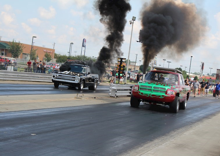 Heads Up Drag Racing Action: Outlaw Diesel Super Series