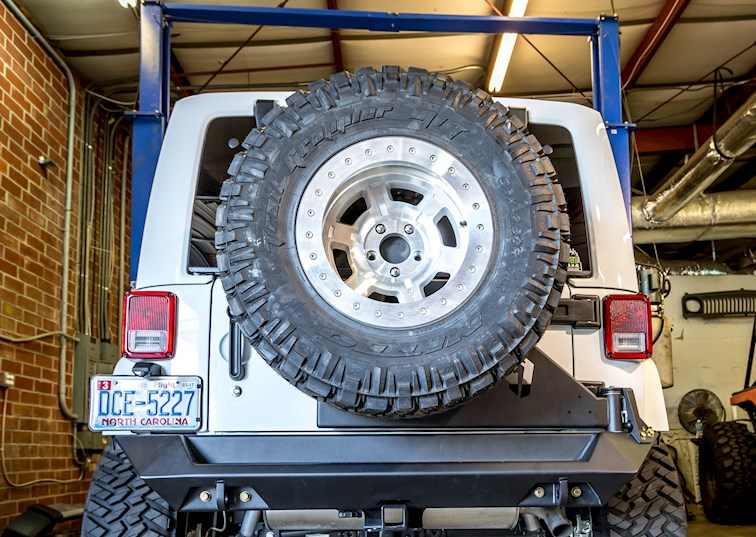 two wide 016 2015 jeep wrangler fab fours tire carrier rear bumper 11