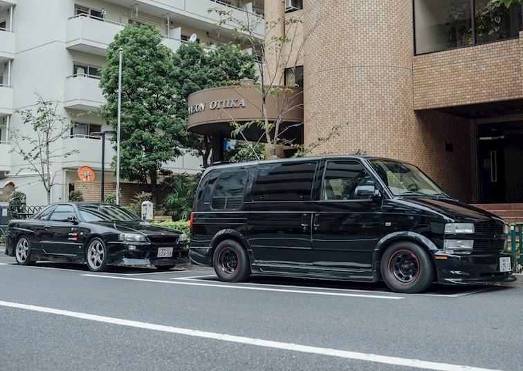Gaijin Car Spotting: East Meets West