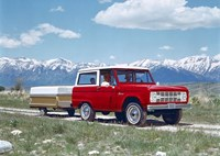 two wide 1966 ford bronco wtrail