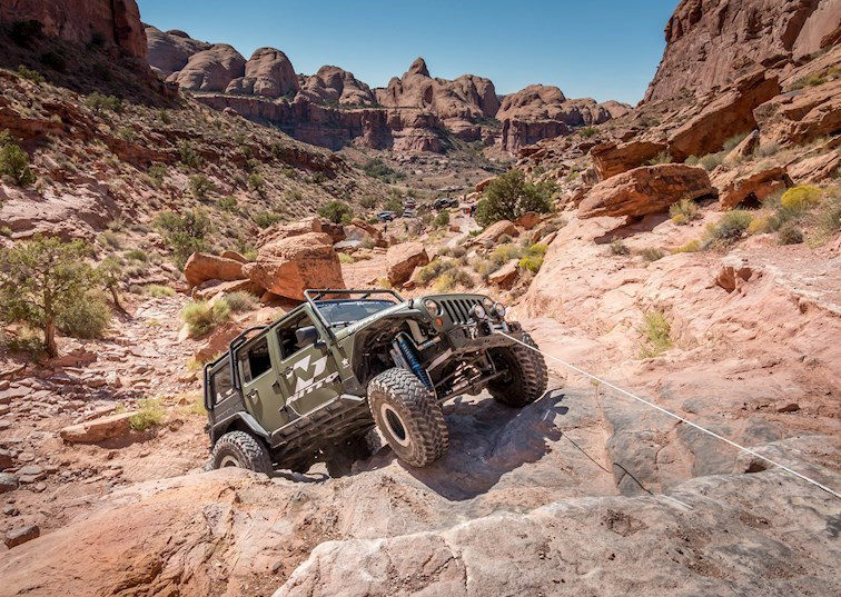 Steel vs. Synthetic: Which Winch Line Do You Trust?