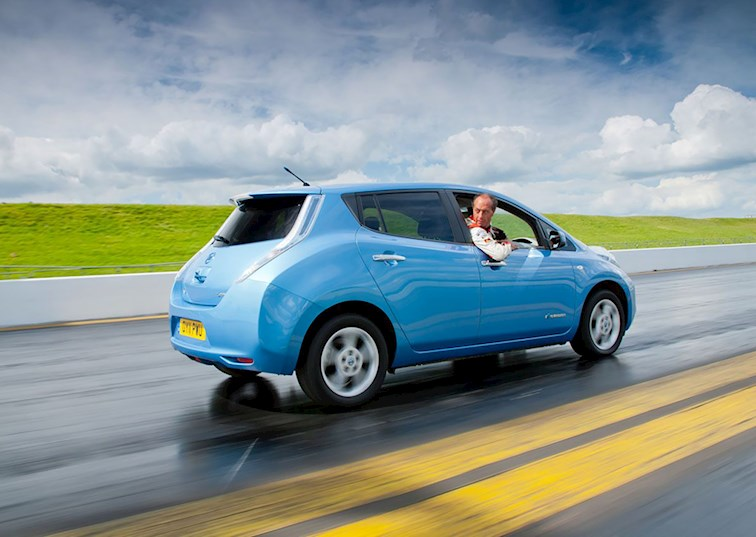 two wide nissan leaf reverse