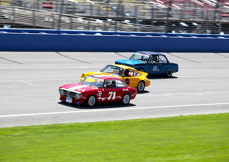 two wide svra historic sportscar festival feature