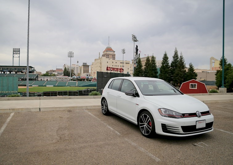 2017 Volkswagen GTI: Discovering the Perfect Daily Driver