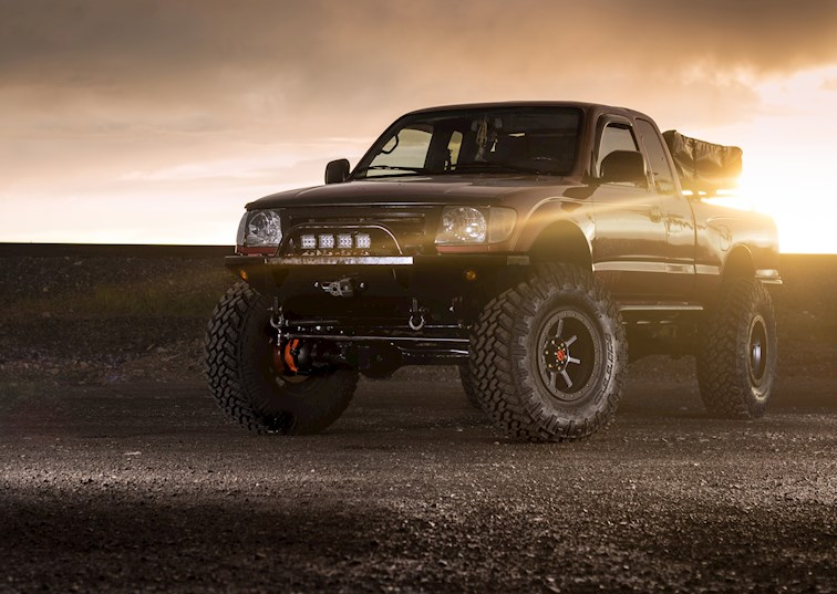 Supreme Taco: A Solid-Axle Toyota Built to Trail Grapple