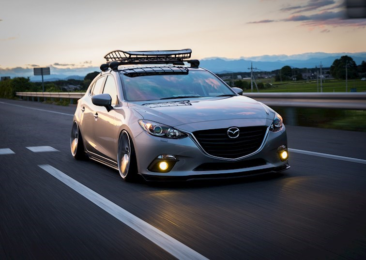 A Mazda Axela Designed to Turn Heads and Styled to Change Minds
