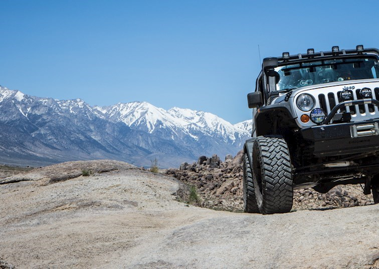 Exploring Unmarked Trails in Alabama Hills