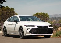 two wide 2019 toyota avalon test drive 6148