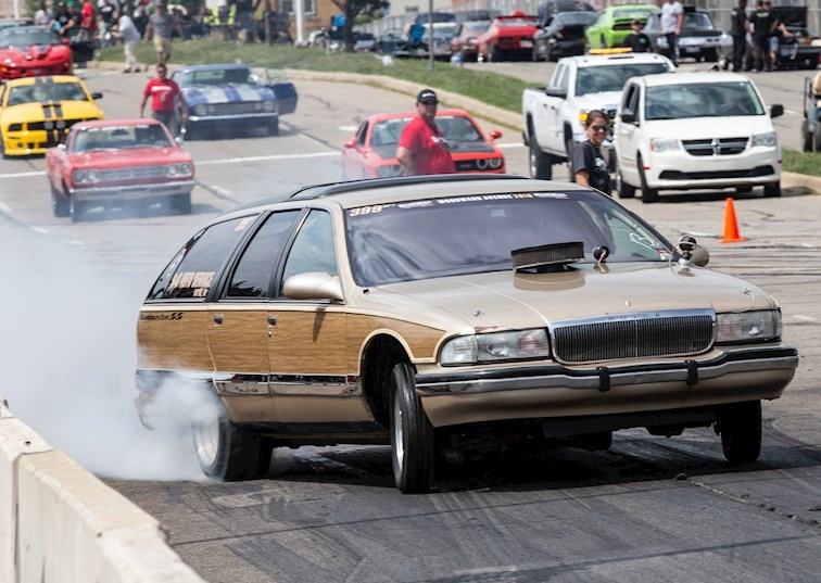 The Biggest Burnouts Happen on Woodward Avenue: Roadkill Nights 2018