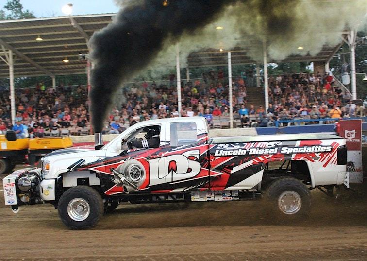 Slingin' Dirt: Truck & Tractor Pulling from the 2018 Scheid Diesel Extravaganza