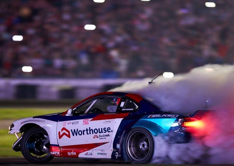 Piotr Wiecek Wins Under the Lights at Formula Drift Texas 2018