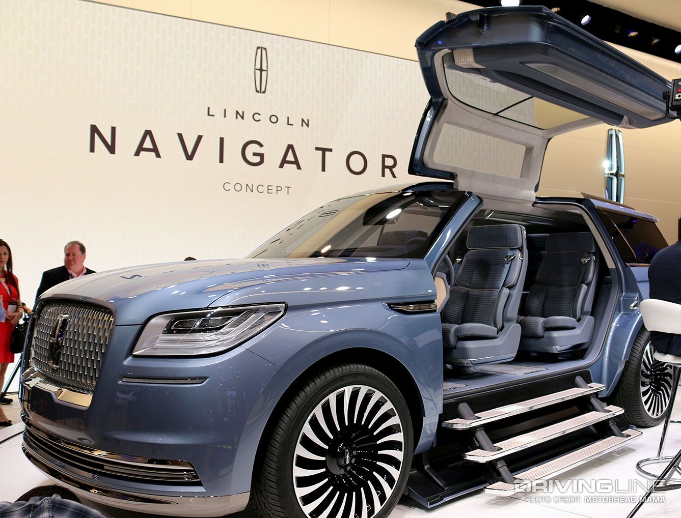 see the sights from 2016 nyias bentley suv new vw bus. Black Bedroom Furniture Sets. Home Design Ideas