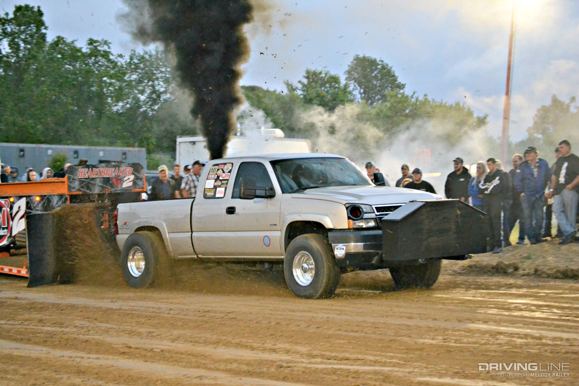 The Race to 300: Diesel Truck Pulling at Its Best ...