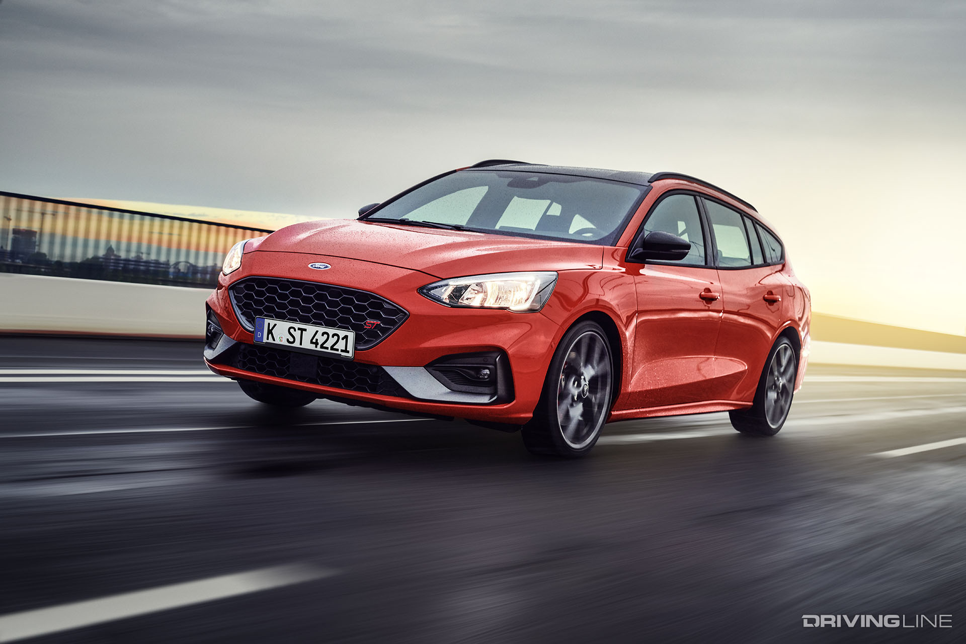 2017 Ford Focus Station Wagon ST-3 - Exterior and Interior ... |Ford Focus Station Wagon