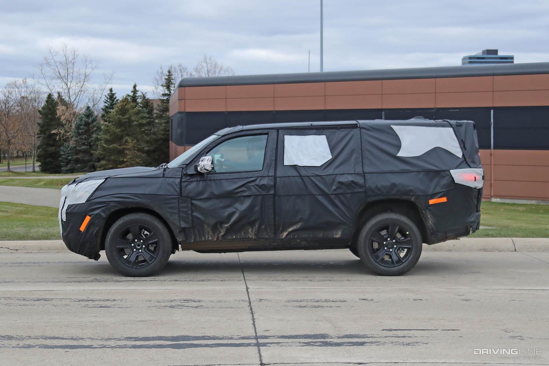 jeep wagoneer spy photos