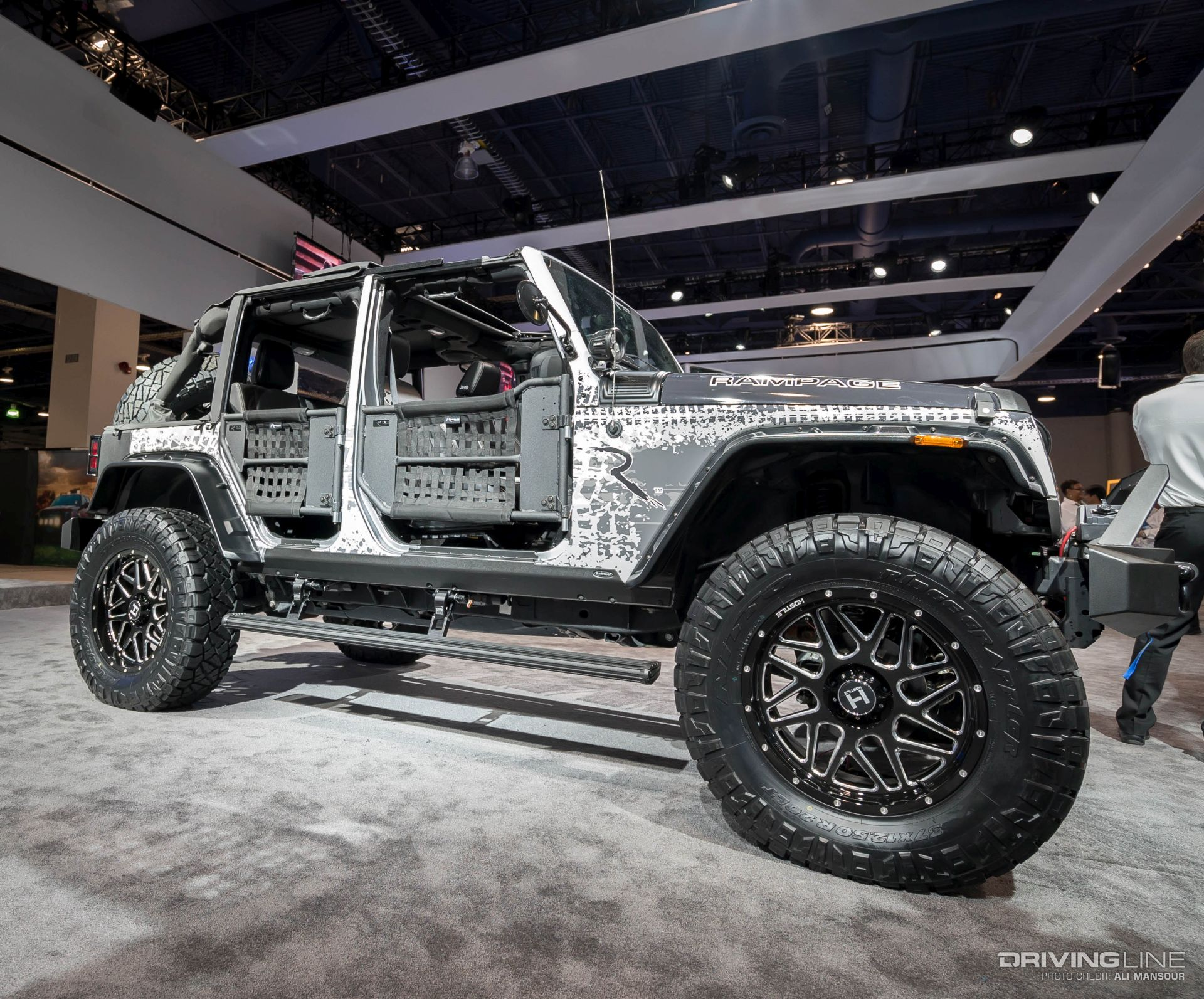 188595 together with Jeep Renegade 12 in addition Jeep Renegade Desert Hawk 5 additionally 5 Things To Know About The Jeep Grand Cherokee Altitude also Mercedesbenz W140 Cl500 In Tuning Koenig. on jeep wrangler fun