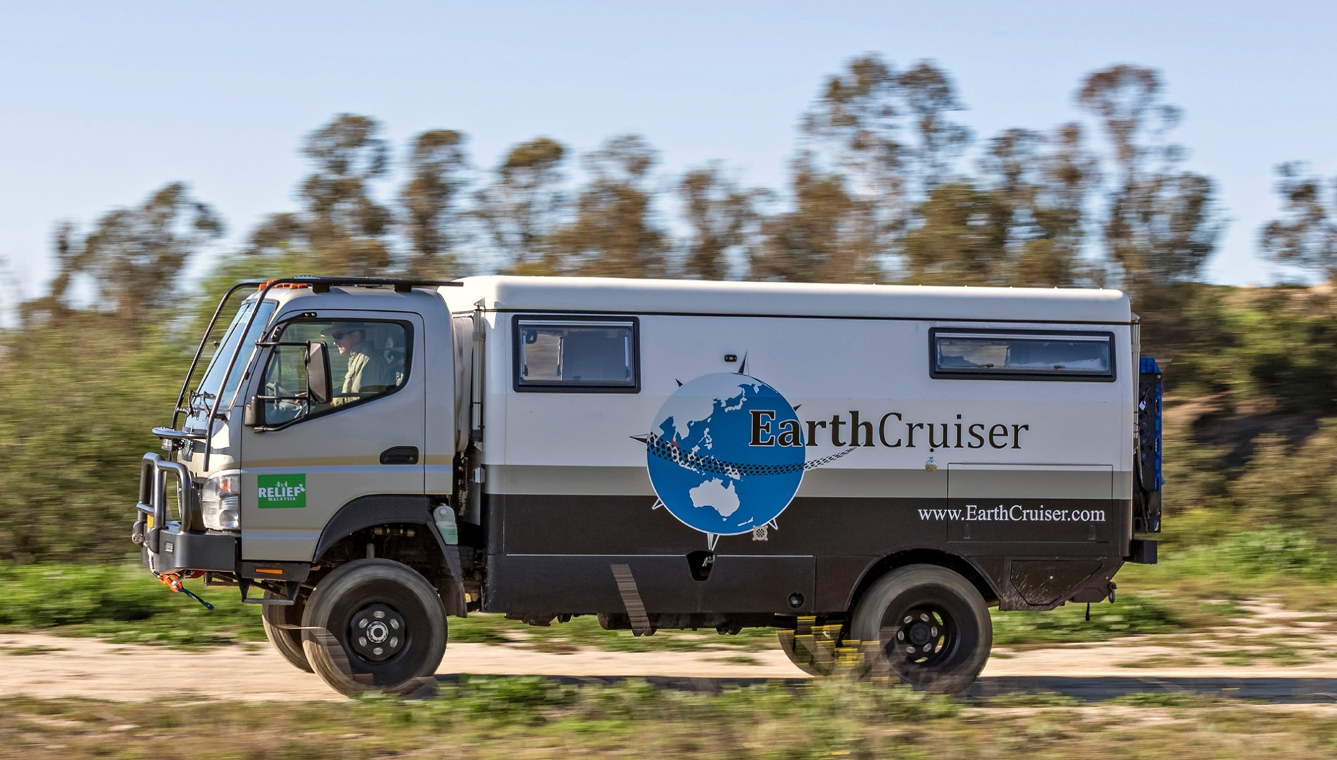 EarthCruiser EXP: The Perfect Quit-Your-Job Vehicle