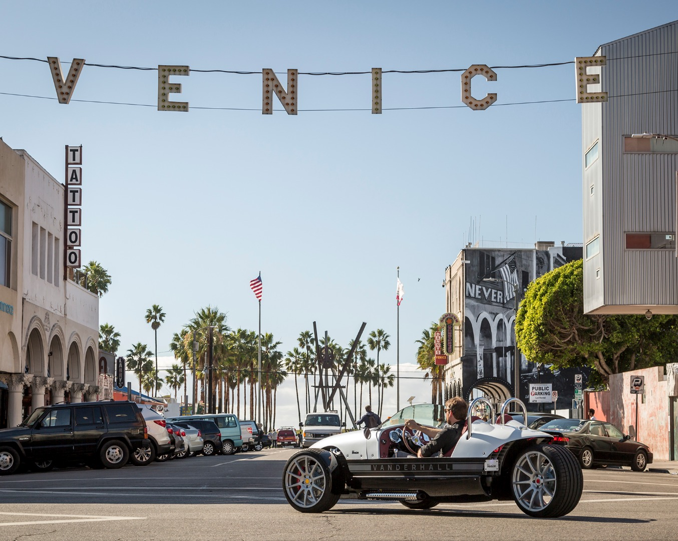 5 Things You Probably Never Expected From the Vanderhall Venice ...